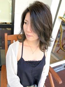 くすみ感抜群のグリーンカラー^_^|MEGAMI 美容室 西淀川区 塚本店のヘアスタイル