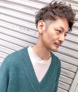 ハード過ぎないニュアンスを加えたメンズパーマ^_^|MEGAMI 美容室 西淀川区 塚本店のヘアスタイル