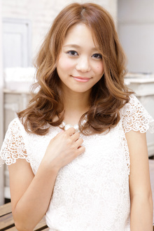 ミックスカールが織りなす憧れの外国人風パーマヘア☆|MINX 青山店のヘアスタイル
