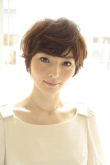 ショートでふわり、柔らかヘア|MINX 青山店のヘアスタイル