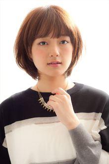 【MINX】大人可愛い 耳かけナチュラルショートボブ|MINX 青山店のヘアスタイル