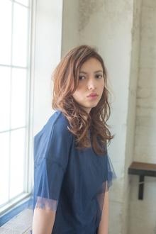 ルーズウェーブ|MINX 青山店のヘアスタイル
