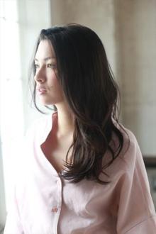 洗練されたブレンドラフ感ロング|MINX 青山店のヘアスタイル