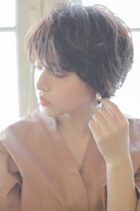 佐藤栞里風 ナチュラル小顔ショートヘア