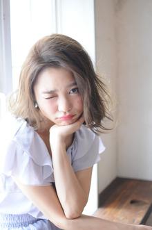 パールグレージュカラーで外国人風やわらかヘアに☆|MINX 青山店のヘアスタイル