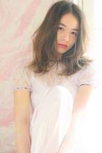 ふんわり柔らかく動くエアリーミディ|MINX 青山店 安田 幸由のヘアスタイル