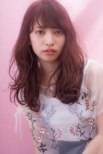 大きく柔らかく揺れるラフなロングスタイル|MINX 青山店のヘアスタイル