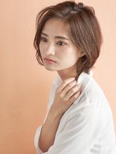 大人可愛いすっきり耳かけショート|MINX 青山店のヘアスタイル