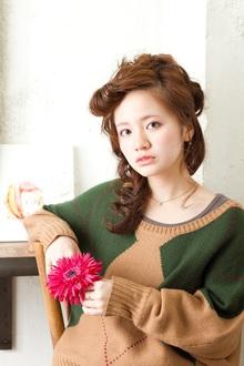 ゆるふわ、編み込み、女子の好きなものが詰まったアレンジ!|MINX 青山店のヘアスタイル