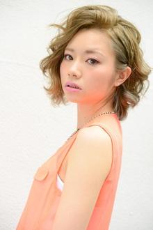 カラフルでオシャレな洋服にはハイトーンがよく似合う!!|MINX 青山店のヘアスタイル
