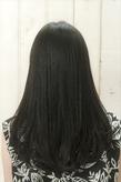 【MINX】ツヤ感たっぷり。美人な大人のための黒髪ストレートヘア