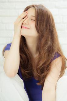 【MINX鈴木貴徳】プラチナベージュで飾る、リラックスロング|MINX 銀座店のヘアスタイル