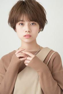 ピュアショート×アッシュブランカラー MINX 銀座店のヘアスタイル