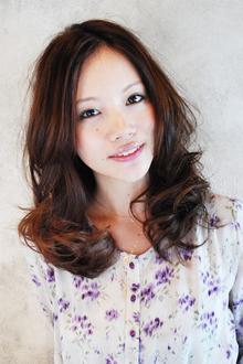 顔を包み込んだ、ふわモテのマストスタイル!|MINX 銀座店のヘアスタイル