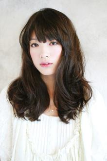 小顔フォルムと甘カワロング王道バランス|MINX 銀座店のヘアスタイル