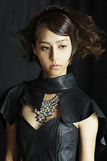 強さと気品を漂わせたノーブルエレガンス【シュールエレガンス】|MINX 銀座店のヘアスタイル
