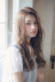 小顔に見せる 大人外国人風かきあげウェーブ☆ MINX 銀座二丁目店のヘアスタイル