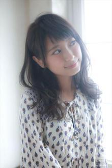 抜け感のある前髪がオシャレなナチュラルヘア☆|MINX 銀座二丁目店のヘアスタイル
