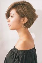 小顔に見えるエアリーショートボブ|MINX 銀座二丁目店 新津 百合恵のヘアスタイル