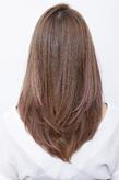 シャギータッチでソフトな質感が魅力の内巻きニュアンスヘア