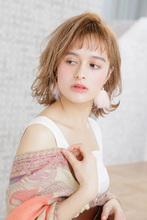 セミウエットな質感でコントラストをつけたフェミニンボブ|MINX 銀座二丁目店 徳永 利彦のヘアスタイル
