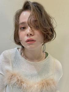 かきあげふんわりウェーブのショートボブ|MINX 銀座五丁目店のヘアスタイル