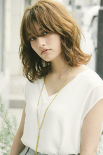 透明感たっぷり大人カワイイ♪柔らかなミディアム|MINX 原宿店 河野 沙耶佳のヘアスタイル