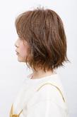 毛先は外ハネ表面はリバ&フォワ巻きで動きと軽さを