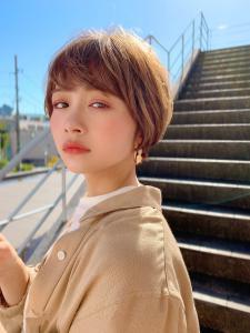 女性らしい丸みショート アリスベージュ|MINX 原宿店のヘアスタイル