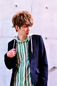 春夏にぴったりのカール感たっぷりの外国人風パーマヘア|MINX 原宿店のヘアスタイル