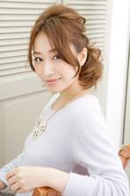 大人の魅力を引き出したハーフアップのアレンジヘア|NATURA 塩崎 正樹のヘアスタイル