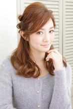 ロングのイメージを生かした大人可愛いアレンジスタイル|NATURA 杵淵 雅也のヘアスタイル