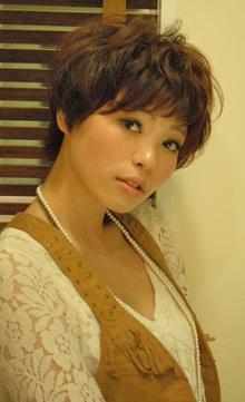 ショートヘアで女らしく☆|NATURAのヘアスタイル