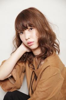 大人ゆるふわミディ|OLIVE hair feel のヘアスタイル