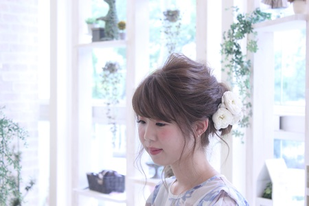 編み込みフェミニンスタイル|OLIVE hair feel のヘアスタイル