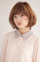 顔周りのカールで小顔♪ミディアムボブな女の子|PLACE IN THE SUN 丸田 美由紀のヘアスタイル
