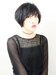 頭の形がキレイに見える黒髪ナチュラルショート|RENJISHI KICHIJOJIのヘアスタイル