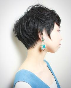 黒髪でも抜け感のあるベリーショート|RENJISHI KICHIJOJIのヘアスタイル