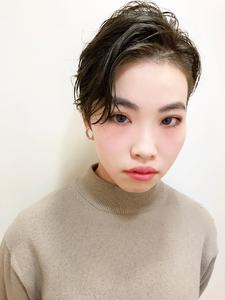 かきあげパーマショート|RENJISHI KICHIJOJIのヘアスタイル