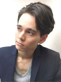 前髪かきあげメンズショート