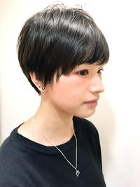 黒髪オトナショート