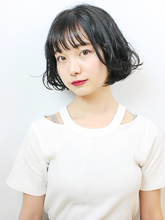 くせ毛風ナチュラルカールボブ|RENJISHI KICHIJOJI 宮本 華早のヘアスタイル