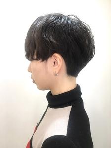 アンニュイな印象のショートパーマスタイル|RENJISHI KICHIJOJIのヘアスタイル