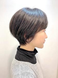 黒髪でも柔らかく見えるナチュラルショート|RENJISHI KICHIJOJIのヘアスタイル