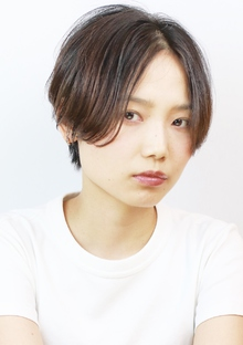 センターパートベリーショート|RENJISHI KICHIJOJIのヘアスタイル