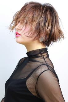 バレイヤージュハイトーンショート|RENJISHI KICHIJOJIのヘアスタイル