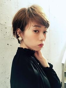 大人耳かけショート|RENJISHI AOYAMAのヘアスタイル