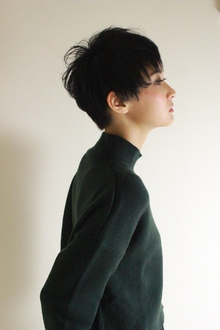 黒髪ジェンダーレスショート|RENJISHI AOYAMAのヘアスタイル