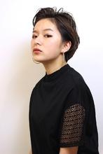 前髪を上げたクールな大人ショート|RENJISHI AOYAMAのヘアスタイル