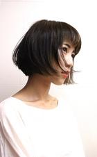 インナーカラーのナチュラルボブ|RENJISHI AOYAMA 津田 弘美のヘアスタイル